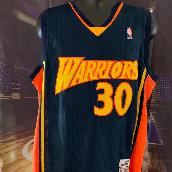 reputable site 12b2b 96ae8 Golden State Warriors Throwback #30 Curry NWT
